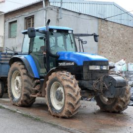New Holland TM125